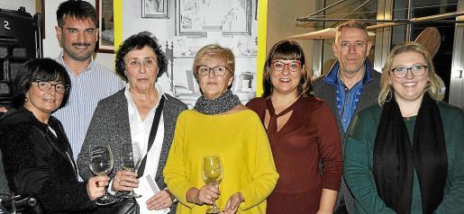 Caterina Mas, Francina Capellà, Petra Grimalt, Pilar Bonet, Joan Ramis y Miquel Darder.
