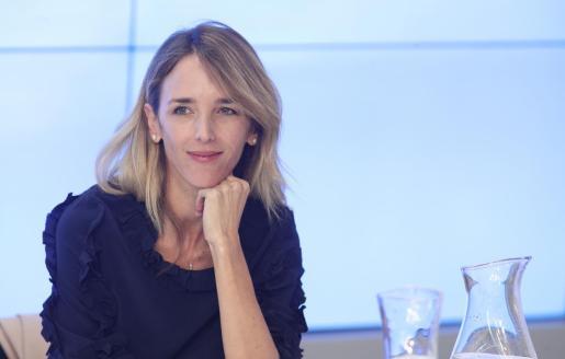 La portavoz del PP en el Congreso de los Diputados, Cayetana Álvarez de Toledo, momentos antes de empezar la reunión del Comité Ejecutivo Nacional del Partido Popular, tras las elecciones generales del 10N, en Madrid.