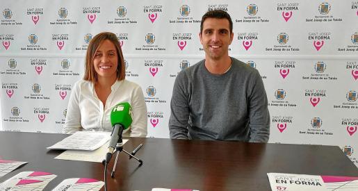 Ana Ribas y Gonzalo Saiz, durante la presentación de la I Setmana de l'Esport de Sant Josep.