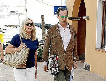 Jaime de Marichalar fue de los primeros invitados en llegar a Palma para asistir a la boda de Sabina Fluxá y Alfonso Fierro.