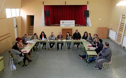 El claustro del CEPA Pitiüses se reunió el jueves para poner en común las quejas sobre el centro de acogida.