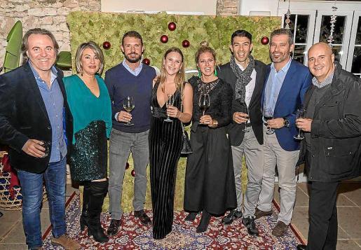 Socios e integrantes de Ibiza Luxury Destination, en la celebración del jueves en Ibiza.