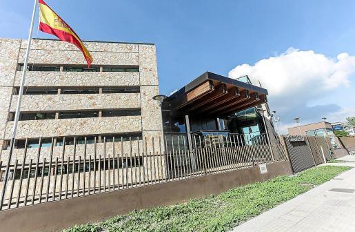 El detenido, un colombiano de 54 años, fue trasladado a la comisaría de Ibiza y hoy pasará a disposición judicial.