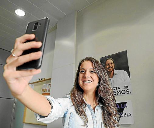 Gloria Santiago es muy aficionada a hacer videos en redes sociales comentando diferentes asuntos.