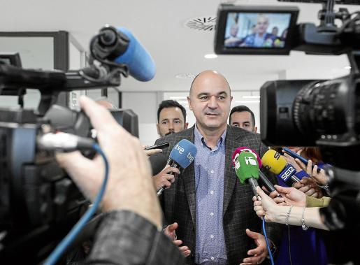 Vicent Marí, ayer, en su intervención ante los medios, en la nueva sede del SOIB.