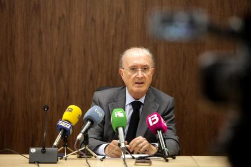 Antoni Terrasa, presidente del TSJ, durante la rueda de prensa