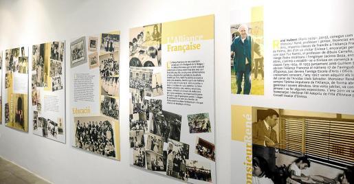 La exposición se compone de paneles explicativos con textos y fotos históricas.