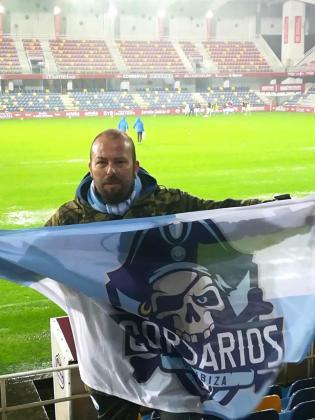 Daniel Pades, el único aficionado de la UD Ibiza que se desplazó a Pontevedra.