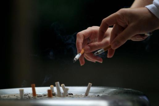 El cáncer de pulmón es el más relacionado con las personas fumadoras.