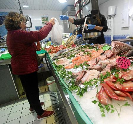 El Mercat Nou es uno de los puntos elegidos para las compras navideñas.
