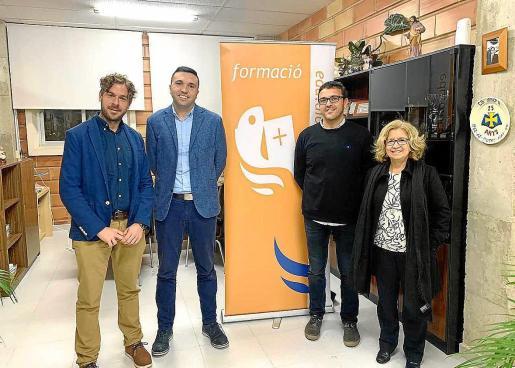 Andreu Mir, Joan Moll, Tomeu Adrover y Magdalena Gomila, directores de los colegios diocesanos.