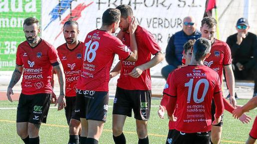 Gorriz, felicitado por Carlos Terol.