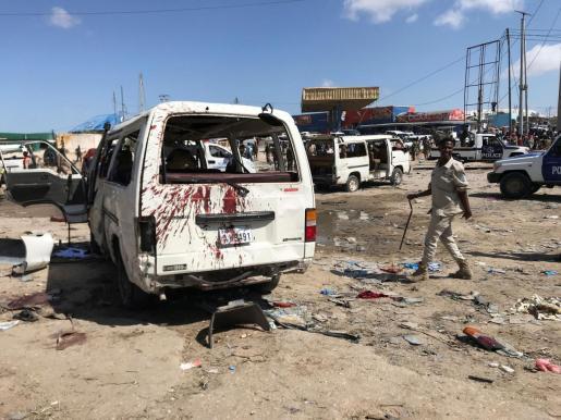 Un coche bomba ha causado decenas de muertos y heridos en Mogadiscio, Somalia.