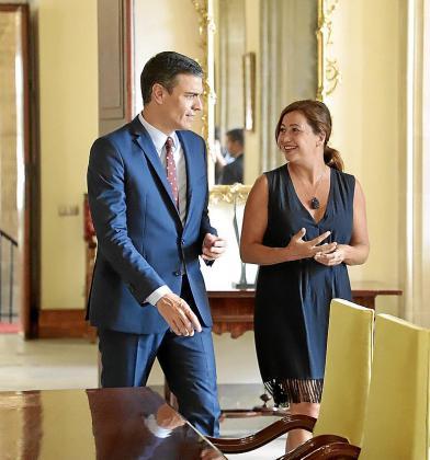 La aprobación de la ley de régimen especial no tendrá consecuencias en las Islas por ahora: hay que esperar a que Sánchez apruebe los Presupuestos y las medidas fiscales.