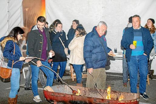 La carpa municipal de Sant Josep se puso de bote en bote por la buena acogida que tuvo la XI edición del Sobrassada Rock, celebrada el sábado por la noche.