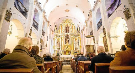 La misa en Sant Josep se celebró en el templo de la localidad por la mañana.