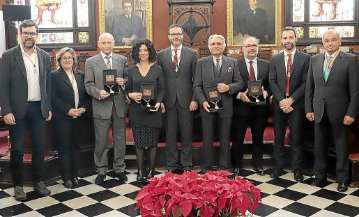 Antoni Noguera, Mercedes Celeste, Gabriel Frontera, Antonia Reig, José Hila, Ramón Montis, Tolo Verd, Francisco Ducrós y Fulgencio Coll.