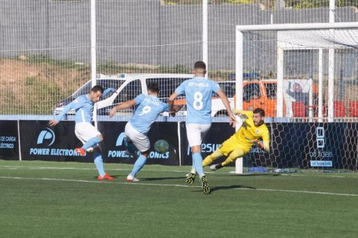 La UD Ibiza empieza el año con un empate que sabe a derrota