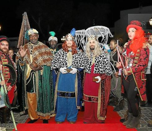 Melchor, Gaspar y Baltasar repartieron regalos, pero sobre todo mucha magia e ilusión a su paso por la localidad 'josepina'.