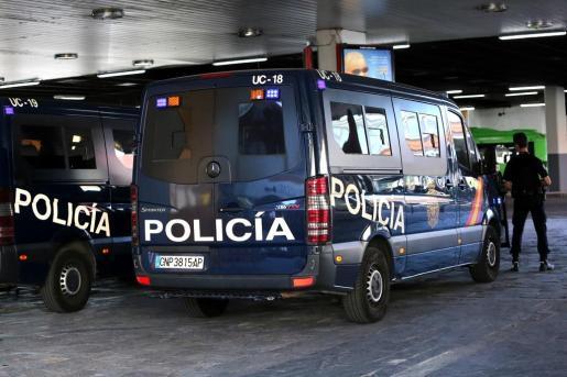Imagen de un furgón de la Policía Naiconal.