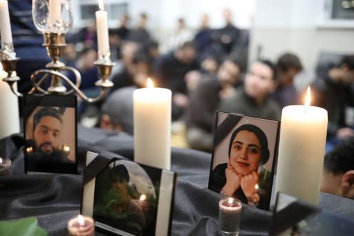 Homenaje a las víctimas del avión siniestrado en Irán.
