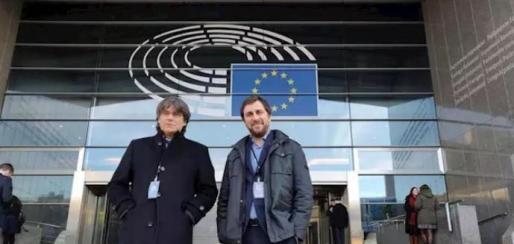 Puigdemont y Comín dejan el acta de diputados en el Parlament tras ser reconocidos como eurodiputados