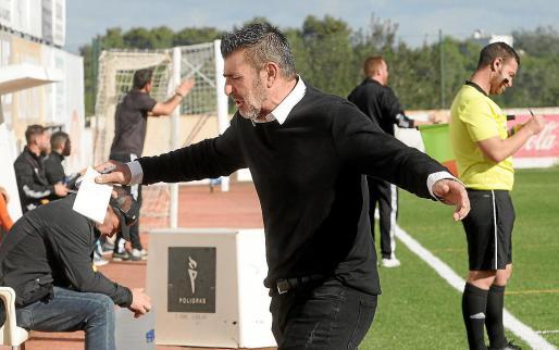 San Rafael, disconforme con una decisión arbitral en el partido del lunes entre el San Rafael y el Mallorca B.