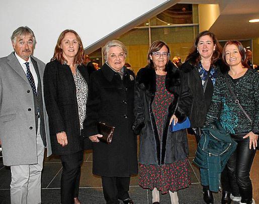 Josep María Magriñá, Mónica Derqui, Catalina y Aina Rosselló, Carolina Derqui y María Beltrán.