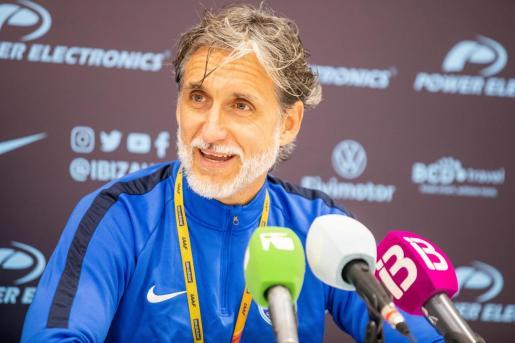 Pablo Alfaro durante una rueda de prensa.