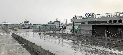 El puerto de Formentera se cerró ayer durante una hora.