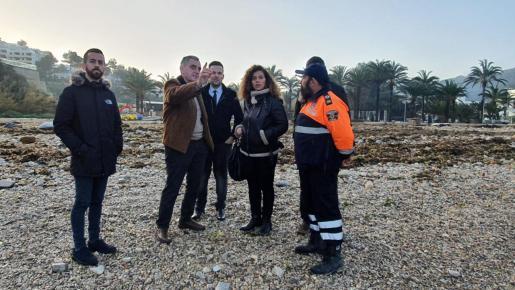El vicepresidente primero del Consell de Ibiza, Mariano Juan, el vicepresidente segundo de la institución, Javier Torres, la consellera balear de Presidencia, Pilar Costa, y el primer teniente de alcalde de Sant Joan, Andreu Roig, han visitado esta mañana el Port de Sant Miquel.