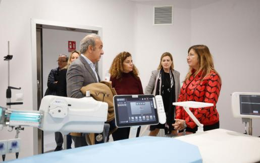 La consellera Patricia Gómez ha visitado este jueves el nuevo servicio de Hemodinámica de Can Misses.