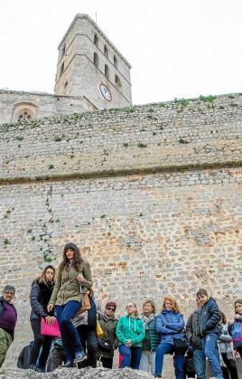 El primero de los itinerarios por el núcleo histórico de la ciudad de Eivissa se llevó a cabo el pasado sábado 18 de enero.