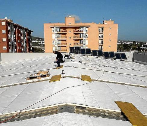 Imagen del techo del pabellón de Es Pratet.