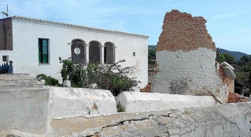 Imagen de archivo de la torre de Can Pere Mosson, derruida por un temporal en 2016
