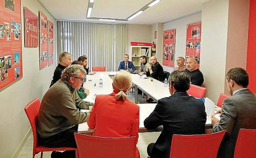 Imagen de un momento de la reunión de ayer.