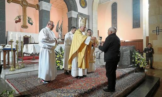 El obispo Vicente Juan Segura durante la misa de despedida.