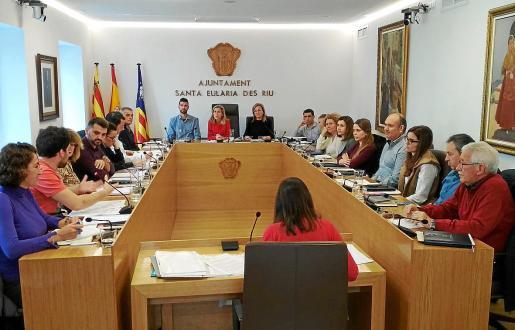 Imagen del Pleno del Ayuntamiento de Santa Eulària celebrado ayer.