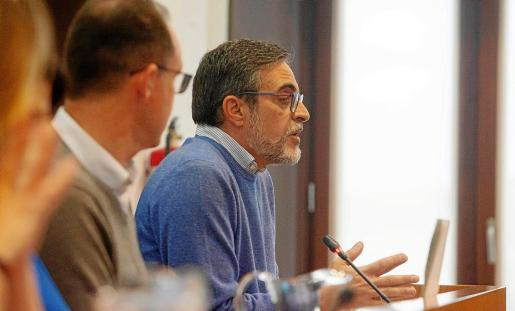 José Vicente Marí fue el encargado de exponer la moción.