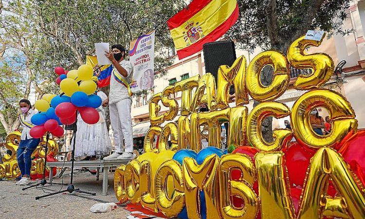 Clamor colombiano en Ibiza contra la violencia desatada en su país en los últimos 15 días