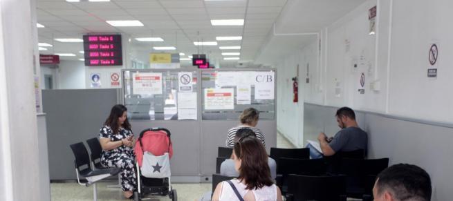 El paro registra en marzo la mayor subida de su historia por el coronavirus 302.365 desempleados más