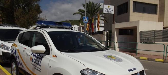 Cuatro vecinos de Santa Eulària son denunciados por celebrar una fiesta en un piso