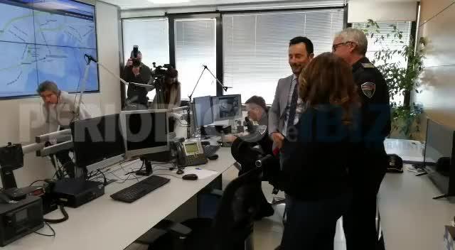 La nueva sala del 092 cuenta con 15 cámaras para controlar el tráfico en Ibiza