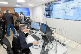 La Policía Local de Vila presenta la nueva sala de control de tráfico con 15 cámaras