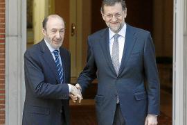 Rajoy y Rubalcaba se citan el viernes tras intentar aunar posturas ante la UE