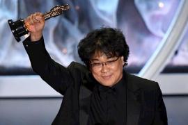 'Parásitos' hace historia en unos Óscar sin gloria para los españoles