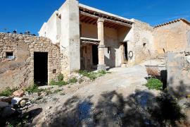 Sant Josep paraliza la construcción del hotel rural en Cala d'Hort