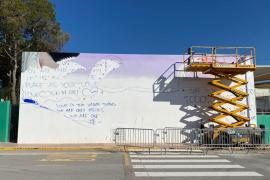 Sant Josep acoge un mural contra la invasión de los plásticos en el mar