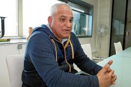 Alejandro Cardell: «Espero la orden de carga y descarga antes de verano»