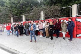 Una treintena de trabajadores de justicia protestan por las condiciones laborales en el Cetis